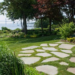 Great Stepping Stone Patio